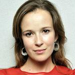 Claire van der Boom