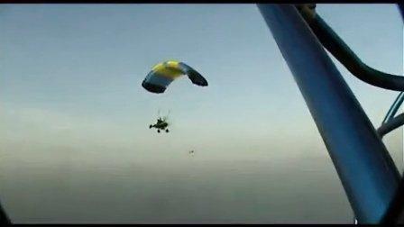 滑翔伞特技表演