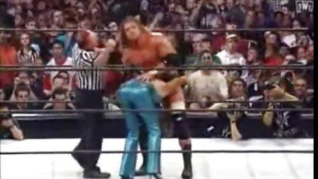 WWEHHH给老婆史蒂芬妮名门必杀技 这就是背叛老公的下场