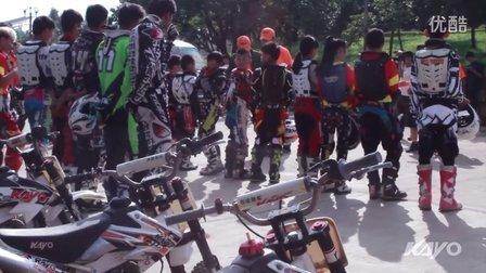 2015摩托车项目青少年夏令营精彩片段