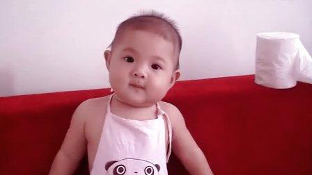 可爱宝宝香娃儿玩纸
