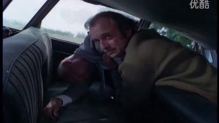 黑袜帅大叔遇害被脱衣