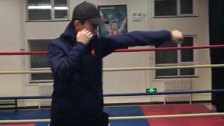 在家可以进行的拳击训练手段 1