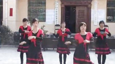 周至县下侯村苗苗幼儿园舞蹈队祝老年节座谈会隆重举行