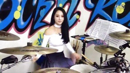 韩国女鼓手雅妍,直播架子鼓演奏