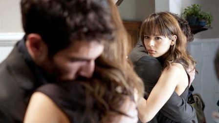 [电影sir]男友被别的女人当着面占有,却什么也做不了