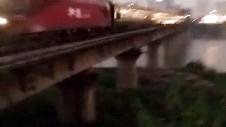 长沙浏阳河桥拍车