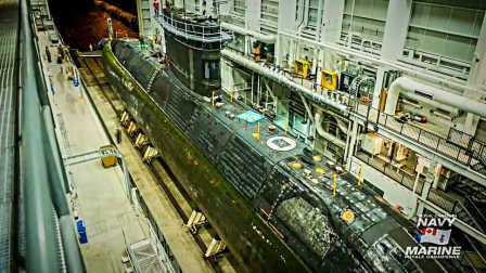 加拿大海军温莎号潜艇停驻哈利法克斯港维护