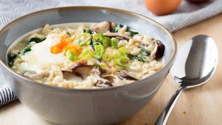 暖心早餐水波蛋燕麦粥