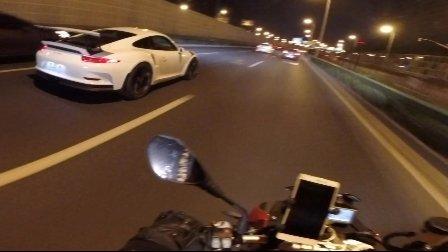 【HC】BMW S1000R-路遇保时捷911 GT3 RS