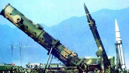 眼看霸主地位被中国挑战, 美国为何不敢开战? 只因中国有神秘武器