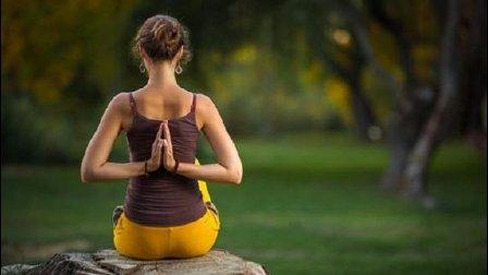 开肩开胯阴瑜伽