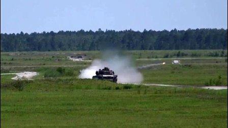 也有脱靶的时候! 美国海军陆战队坦克营实弹射击训练