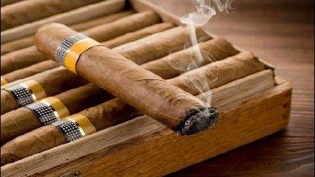 美国的大雪茄是怎样做成的? 看看美国50年前传下来的的老手艺