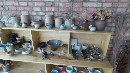 洛阳八里唐里的一家陶瓷小店, 看看有你喜欢的瓶瓶罐罐吗, 我是很喜欢这些文艺的东西