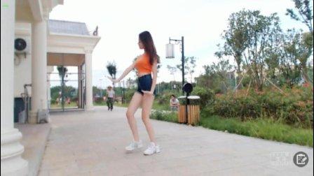 《4 Walls》长腿滢滢公园性感热舞