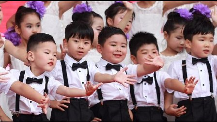 【6岁】6-25哈哈幼儿园毕业正式演出,《老师亲妈妈亲》IMG_3124