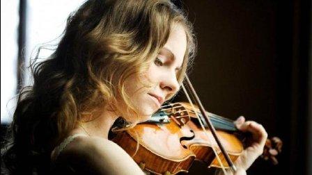 音乐无界: 德国美女小提琴家朱莉娅·费舍尔 演奏门德尔松小提琴协奏曲小调