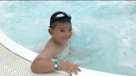 【6岁】7-2哈哈在游轮温水按摩浴缸泡澡IMG_3380