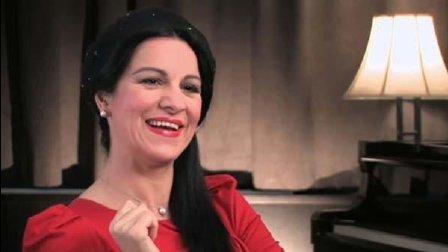 音乐无界: 当红女高音安吉拉·乔治乌饮酒歌 选自《茶花女》
