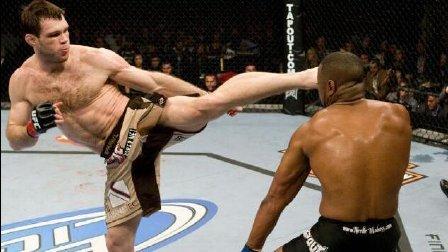 各类自由搏击中的最佳踢KO!