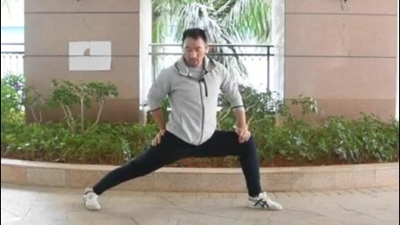 竖叉的训练方法