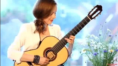 音乐无界: 古典吉他女神塔天娜.伊兹科娃演奏肖邦圆舞曲, 技巧高超!