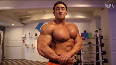 韩国健美先生黄哲勋胸肌训练日,肌肉男训练视频