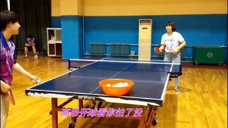 乒乓教练放绝招横拨推拨+快拉 招招都显技术范