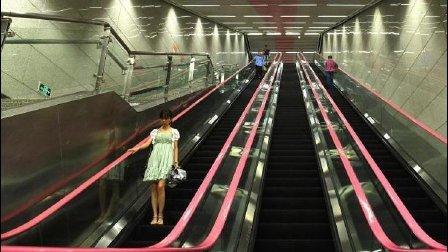 中国最深的地铁站, 比防空洞还深三倍!
