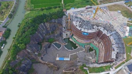 中国在日本挖的坑里建了个超级工程, 耗资百亿, 美国也惊呼赞叹