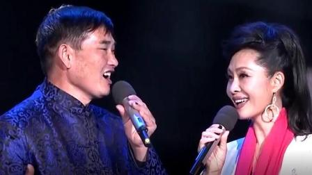 朱之文 于文华合唱经典红色歌曲《绒花》, 好听极了!