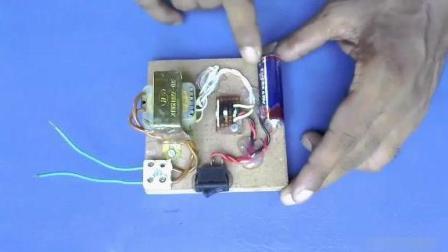 最牛逆变器, 1.5V升220V, 干电池也能点亮LED灯!