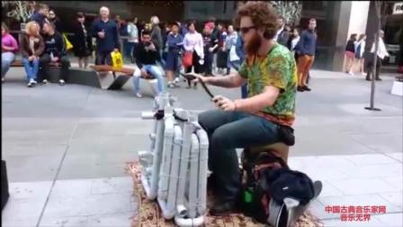 音乐无界: 艺术家美国街头打击乐器演奏, 吸引了大批粉丝!