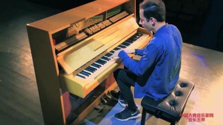 音乐无界: Peter Bence演奏异域风格女歌手sia《The Greatest》