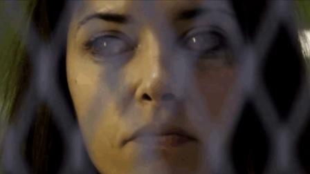 两分钟看恐怖片《茉莉哈特利的驱魔》牧师和女鬼对垒