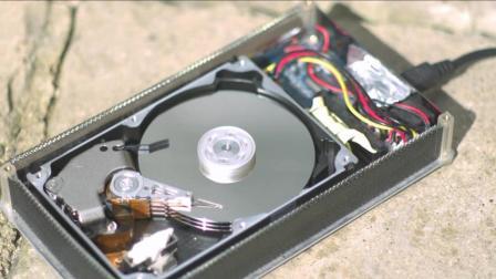 硬盘内部是怎么工作的 慢镜头告诉你