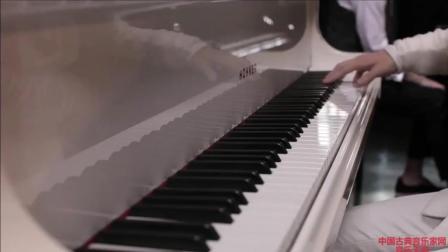 音乐无界: 钢琴家李闰珉与刘宪华钢琴演奏《River Flows In You 》