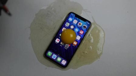 看看土豪怎么样用iPhone X煎鸡蛋 心疼手机