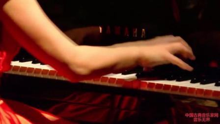 音乐无界: 美女钢琴演奏贝多芬《月光奏鸣曲》, 梦幻又好听!