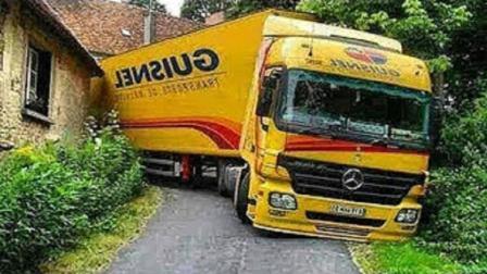 这是世界上最神奇的卡车司机, 连老司机都竖起大拇指了