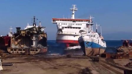 实拍游轮、轮船相撞、搁浅瞬间, 场面堪比电影场景!