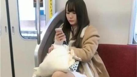 街拍: 白色连衣短裙的日本妹子, 大长腿你喜欢吗?