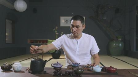 你试过独自在茶室, 毫无压力的享受生活吗? 把玩不同茶器泡好茶