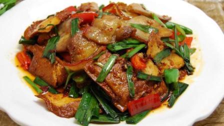 正宗川菜大厨教你做回锅肉, 从肉的选择到菜出锅, 手把手教你!