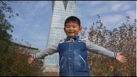 【6岁半】11-26哈哈跟爸爸妈妈一起逛杭州武林广场MAH07404