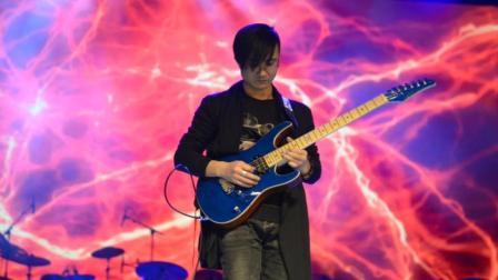 《吸引》吉他-罗伊