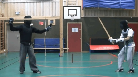 老外练习中国古剑法, 这套招练习比国内还专业