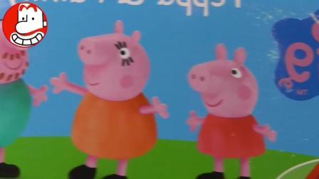 小猪佩奇一家四口 最新玩具 爱闹大叔