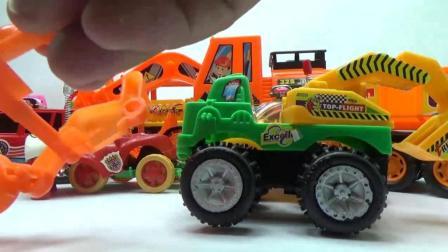 推土机和挖掘机在路上行驶, 小警车来处理交通事故